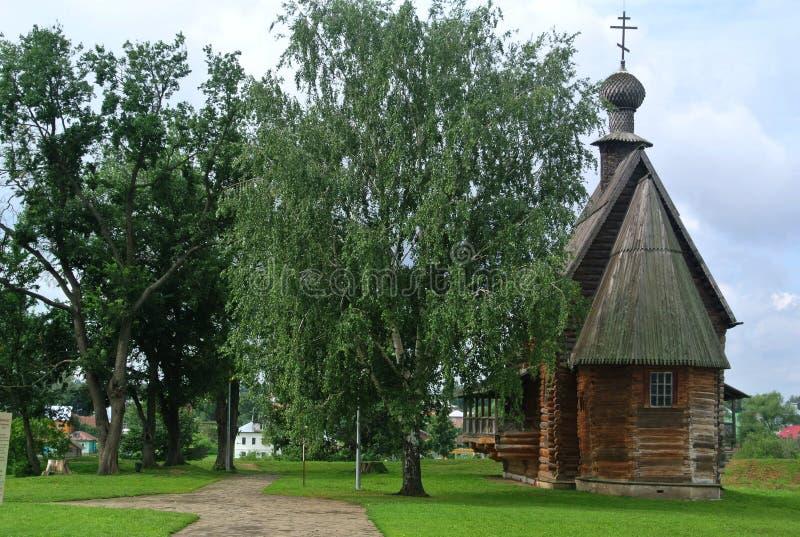 Suzdal, Russie, église en bois antique dans Suzdal Musée de la vie en bois de ` d'architecture et de paysans Boucle d'or de la Ru photos stock