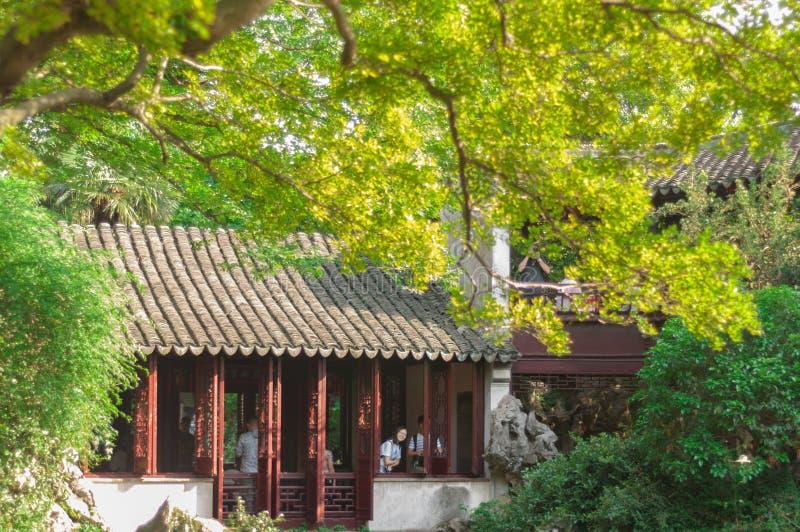 SUZHOU KINA - MAJ 28,2017: Kinesisk paviljong royaltyfri foto