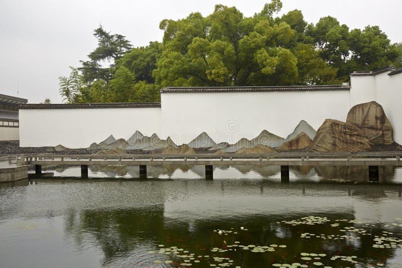 Suzhoumuseum en bezinning stock afbeelding