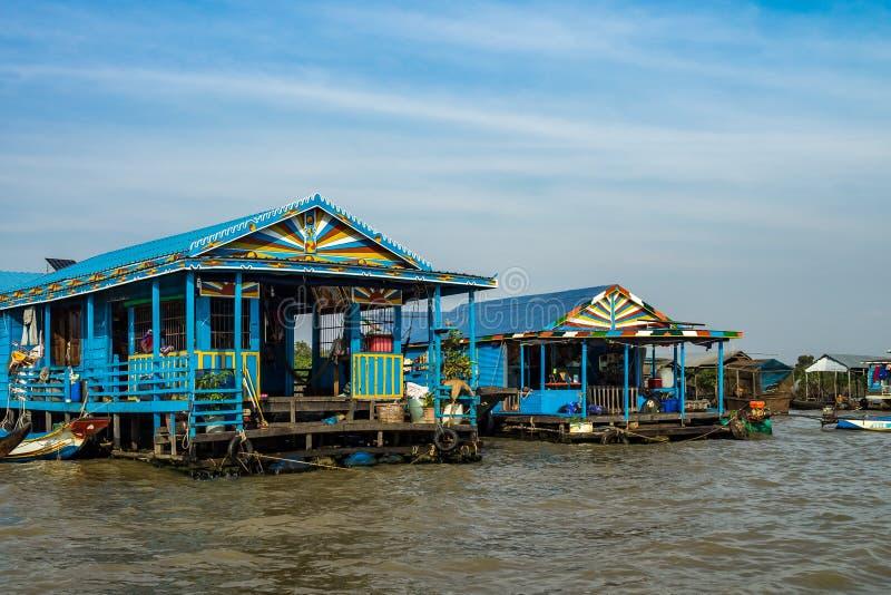Sväva byn, underminerar Cambodja, Tonle, den Koh Rong ön arkivbilder