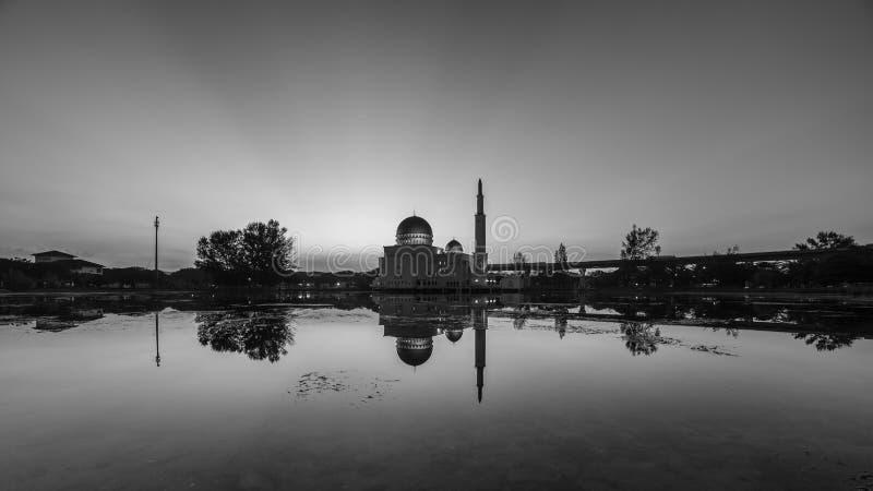 Sväva moskén, Masjid som Salam, Puchong arkivfoton