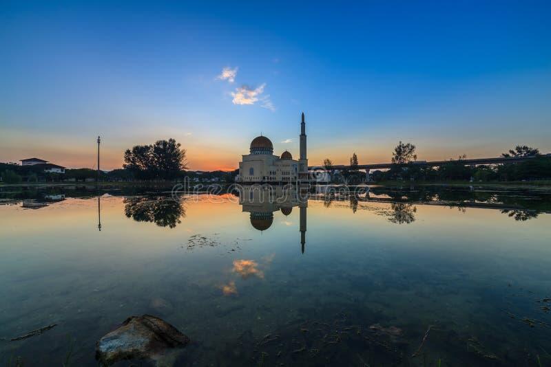 Sväva moskén, Masjid som Salam, Puchong arkivbild