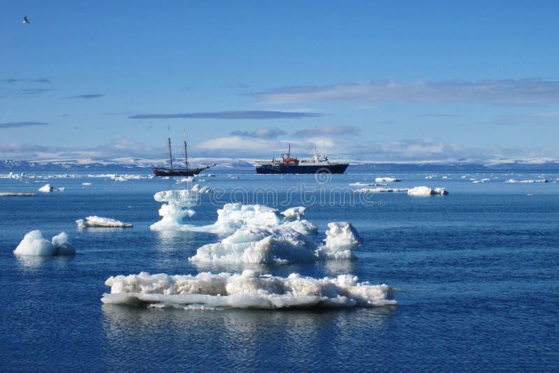 Svalbard kust arkivfoton