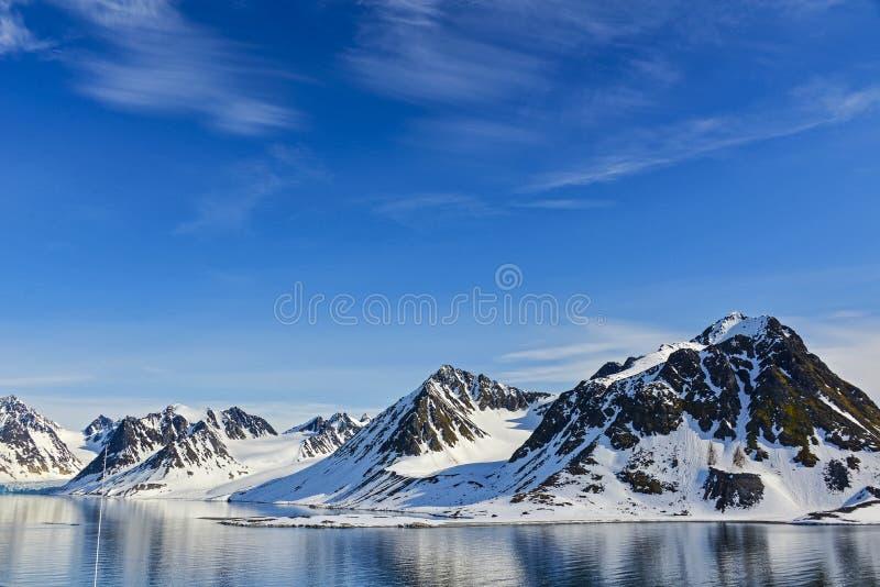 Svalbarden海湾Magdalenafjord 免版税图库摄影