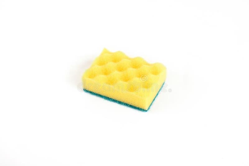 Svamp för tvättande disk som isoleras på vit bakgrund royaltyfri bild