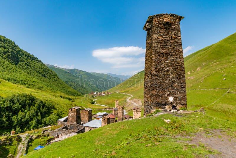 Svan góruje - defensywa kamień góruje, Ushguli, Mestia okręg, Gruzja zdjęcia stock