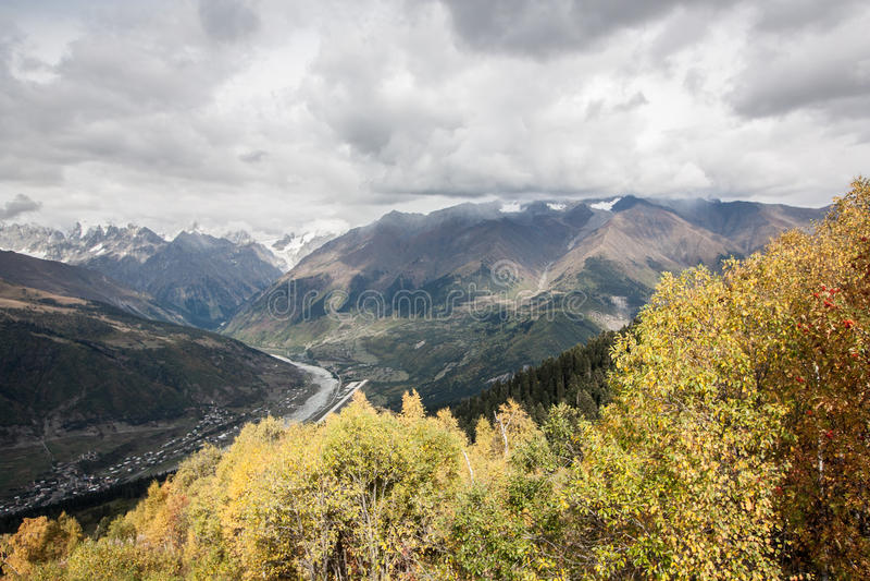 Svanetia το φθινόπωρο στοκ φωτογραφίες