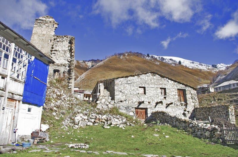 Svanetia region och gamla hus arkivbild
