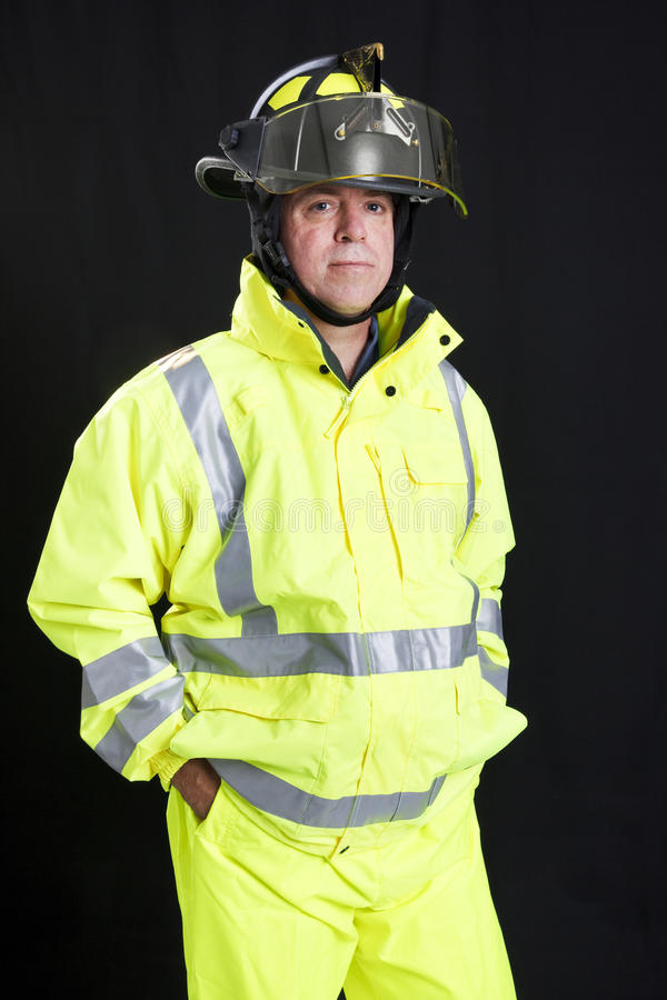 svart brandman arkivbild