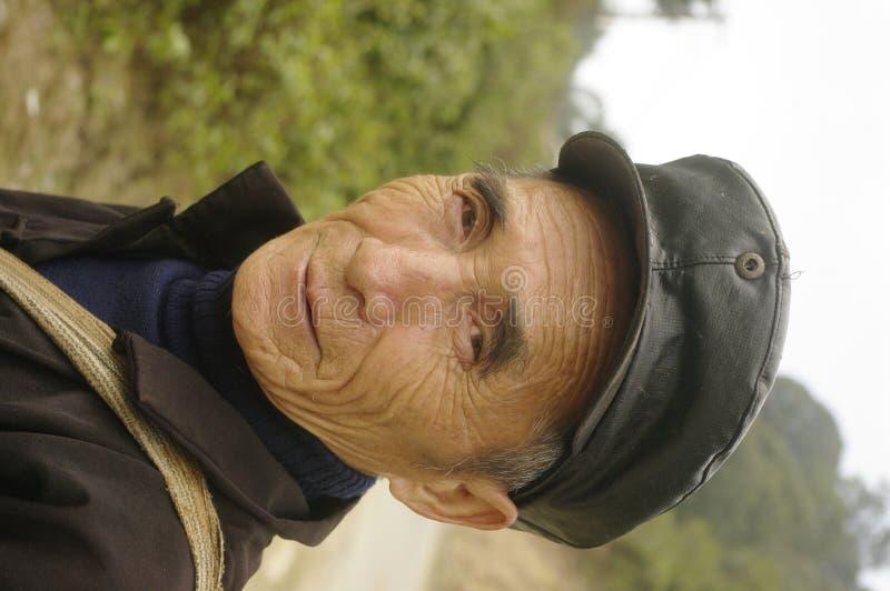 svart etnisk hmongman arkivbilder