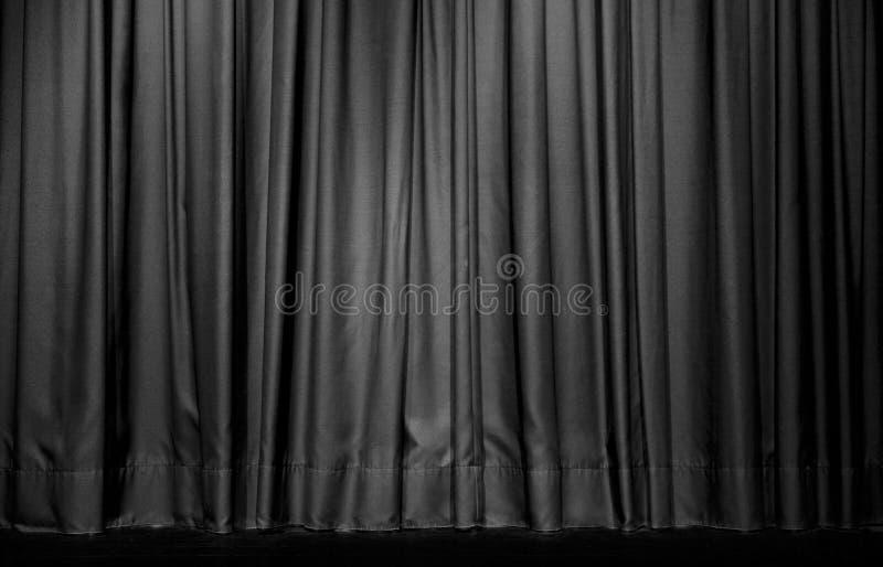 Svart gardin i teater royaltyfri bild