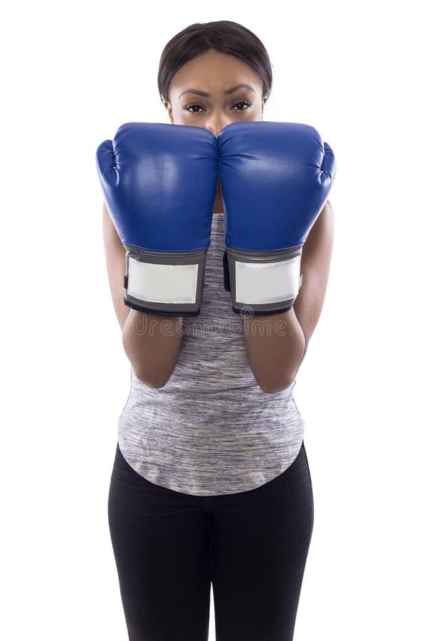 Svart kvinnligt bärande blockera för boxninghandskar fotografering för bildbyråer