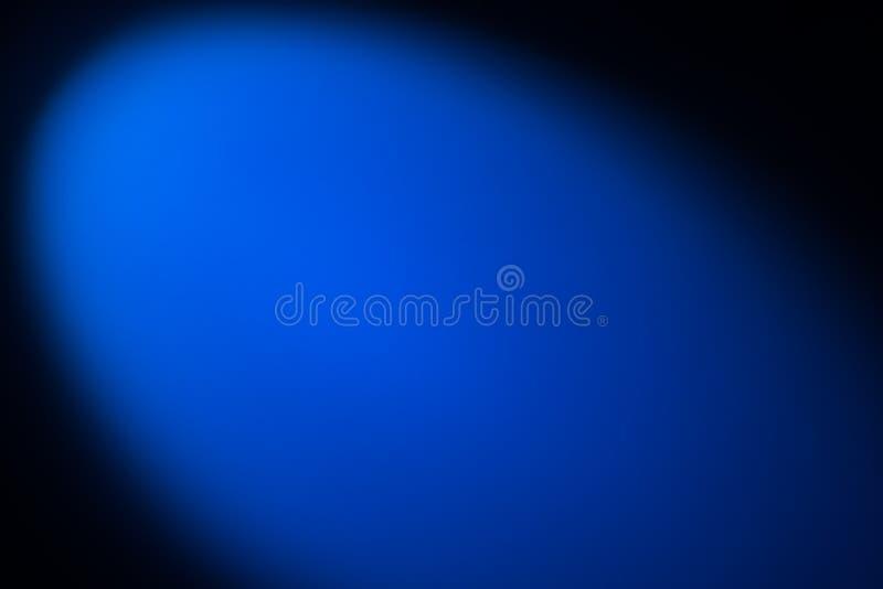 Svart och blå bakgrund som tänds med snoot arkivfoton