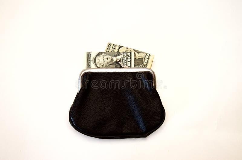Svart plånbok med pengar på vit bakgrund arkivfoto