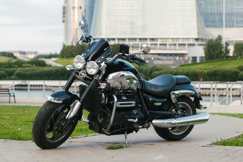Svart roadstermotorcykel 3 arkivbild