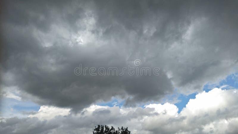 svart sky arkivbild