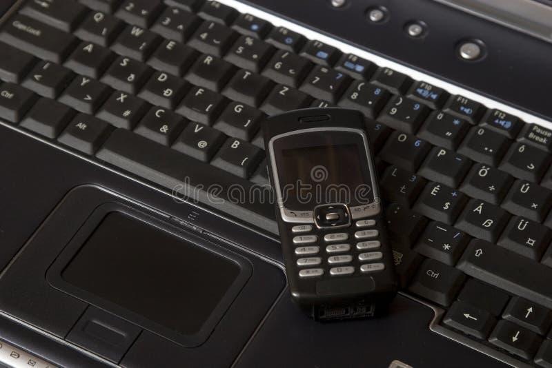 svart smart bärbar datortelefon arkivbilder