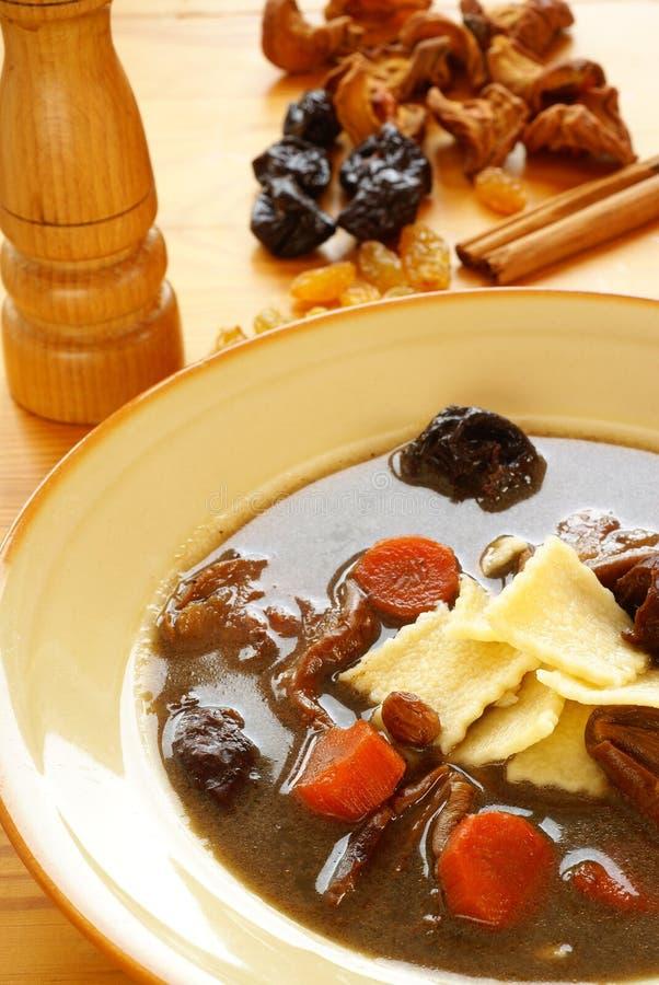 svart soup för blodandpolermedel arkivfoto