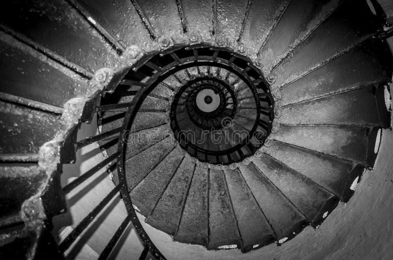 Svart spiral trappa arkivfoto