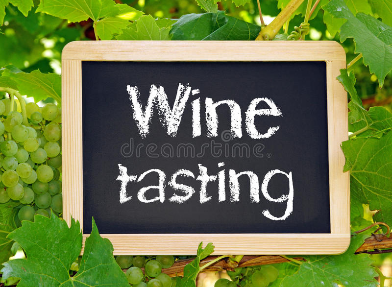 Svart tavla för Wineavsmakning arkivbild