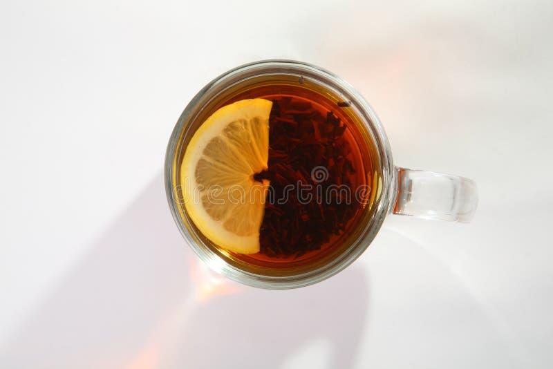 Svart tea med citronen arkivfoto
