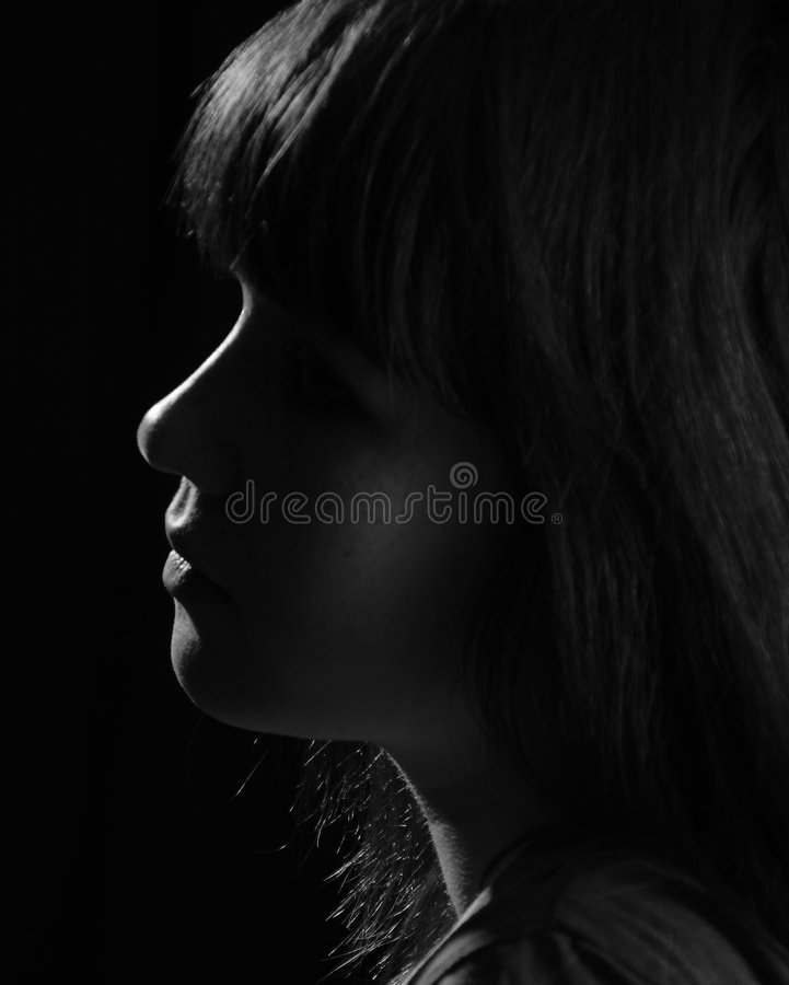 svart white för flickaprofil s arkivbilder
