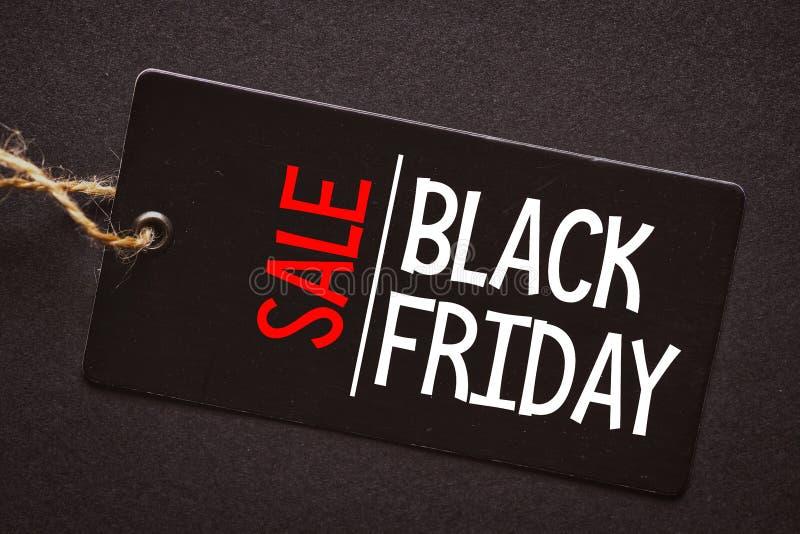 svarta friday Sale etikett på den svarta bakgrunden royaltyfri foto
