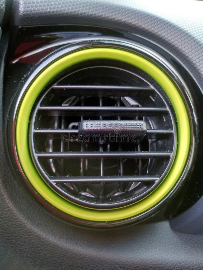 Svarta inre och detaljer av en bil royaltyfri foto
