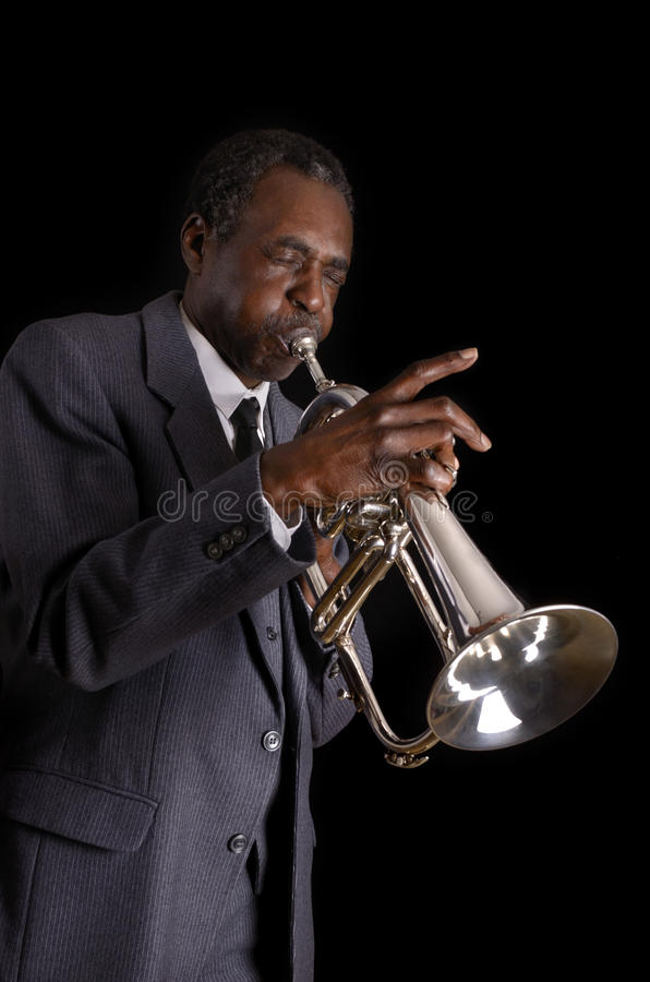 Svarta Jazz Flugelhorn Player arkivfoto