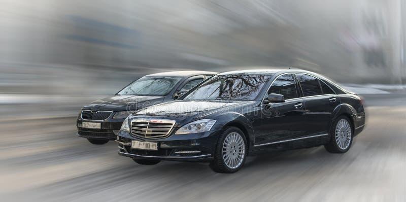 Svarta Mercedes arkivbilder