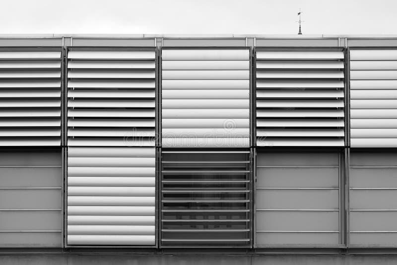 Svartvit bakgrund för luftventilationssystem arkivfoto