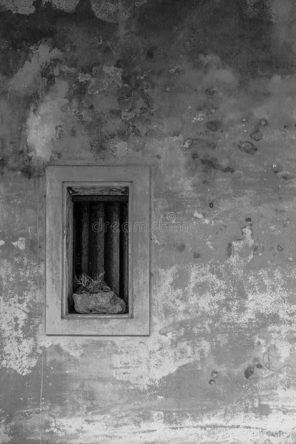 Svartvit bild för bakgrund för cementväggtextur Grunge r?da Stonewall fotografering för bildbyråer