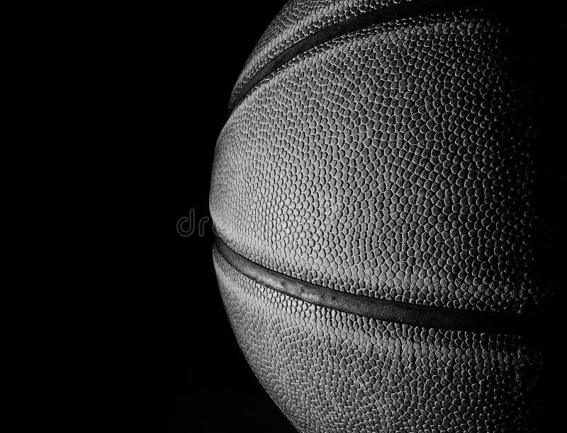 Svartvit closeup för basket på svart arkivbilder