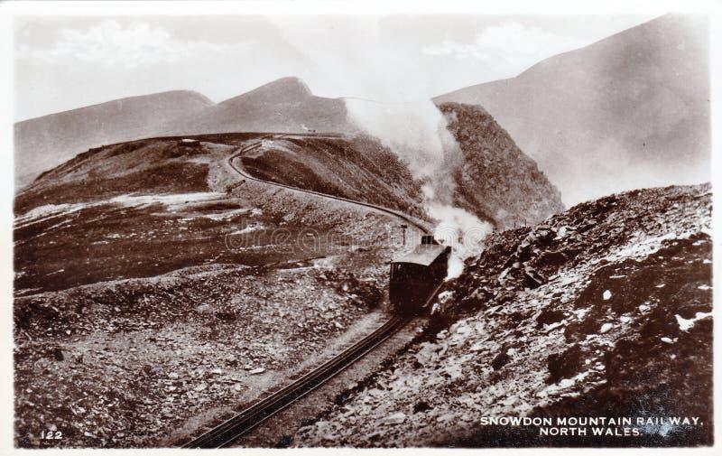 Svartvit fotovykort för tappning av den Snowdon bergjärnvägen, norr Wales 1900s royaltyfri fotografi