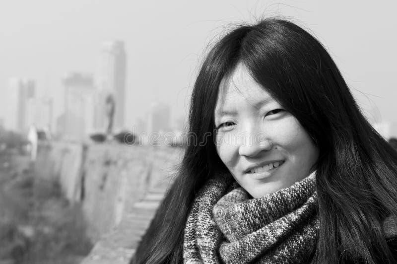 Svartvit kinesisk kvinna royaltyfri bild