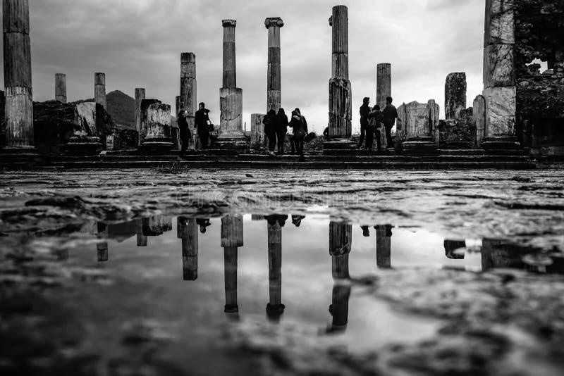 Svartvit sikt från stad, magnesium och Maeandrum för magnesia forntida Manisa Turkiet fotografering för bildbyråer