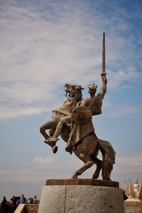 Svatopluk国王雕象布拉索夫城堡的,斯洛伐克 库存照片