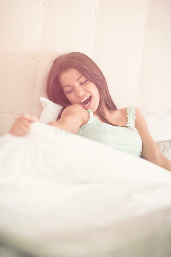 Svegliando dopo il sogno dolce fotografie stock