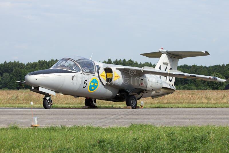 Svensk stråle för flygvapenSaab 105 instruktör royaltyfria bilder