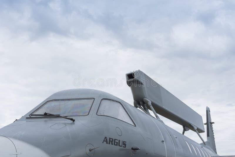 Svenskt luftburen tidig varnings- och kontrollflygplan royaltyfria bilder