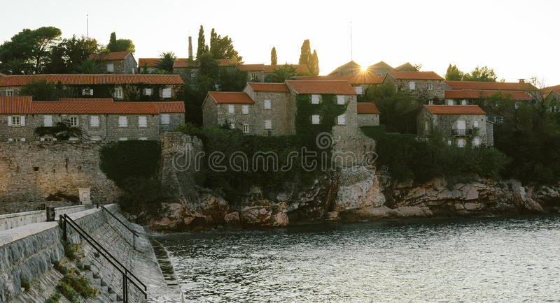 Sveti斯蒂芬是小岛附近的布德瓦在黑山 免版税库存照片