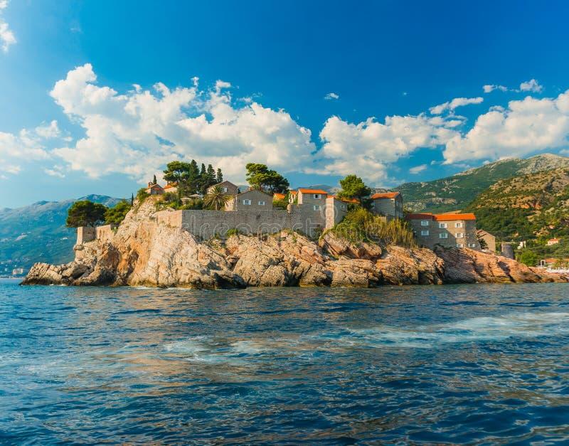 Sveti Stefan、小的小岛和手段在Montenegro 库存照片