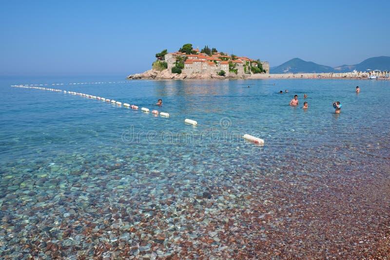 Sveti Stefan Beach And Sea In Montenegro stock afbeelding