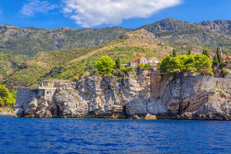 Sveti Stefan Coast royalty-vrije stock afbeelding