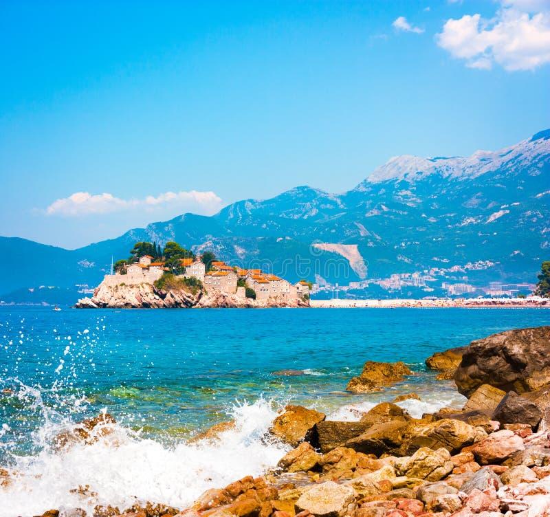 Sveti Stefan wyspa w Montenegro przy Adriatyckim morzem fotografia stock
