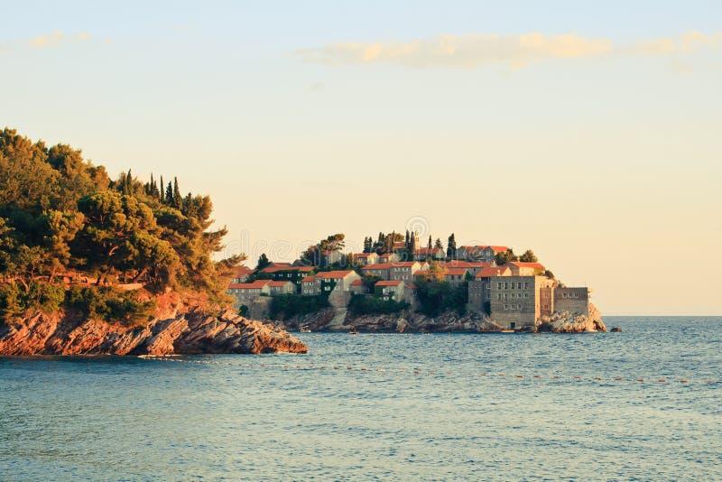 Sveti w Montenegro Stefan mała wysepka i kurort, obrazy royalty free