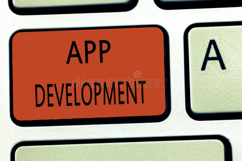 Sviluppo di App del testo di scrittura di parola Concetto di affari per i servizi di sviluppo per le esperienze impressionanti di fotografia stock libera da diritti