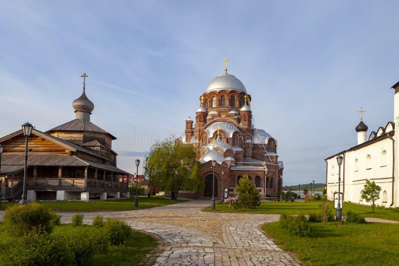 Sviyazhsk,俄罗斯, 2018年6月04日:以上帝的母亲的象的名义大教堂 免版税图库摄影
