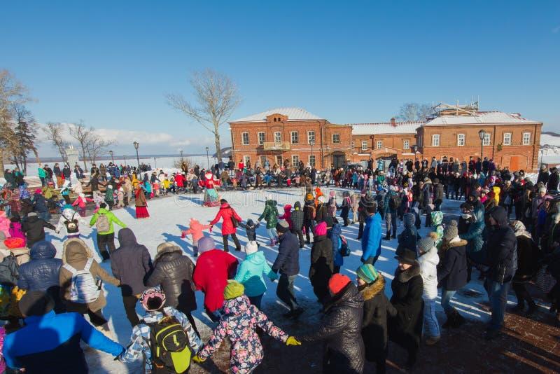 Sviyazhsk, Russland - 26. Februar 2017: Die Pfannkuchenwoche - russischer ethnischer Karneval, Maslenitsa Shrovetide, welches die lizenzfreie stockfotografie