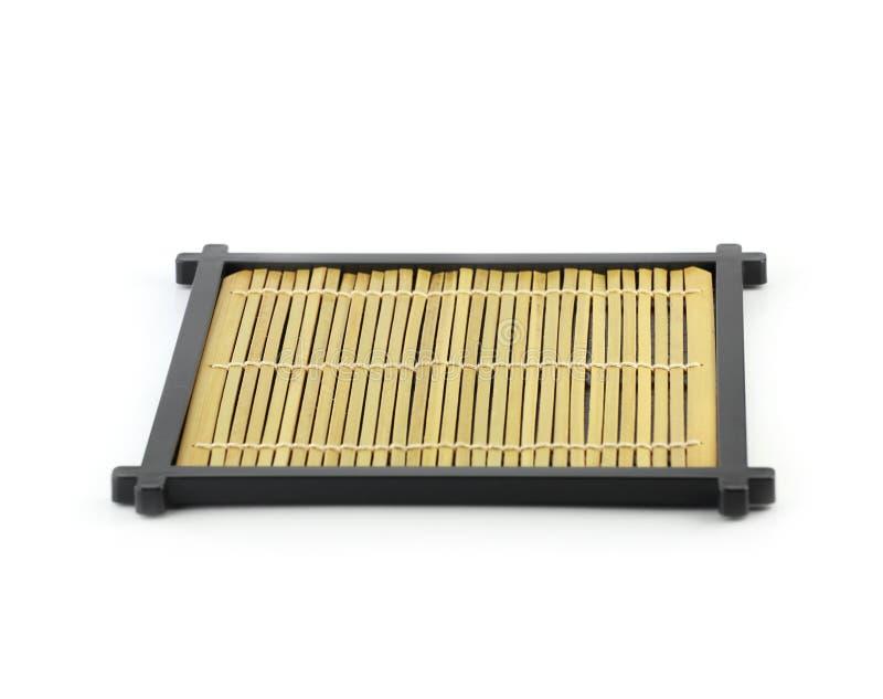 Svuoti il piatto di legno giapponese isolato su fondo bianco immagine stock libera da diritti